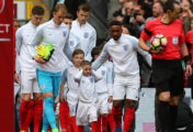 Terminally Unwell Bradley Lowery Leads Out England With Greatest Mate Jermain Defoe